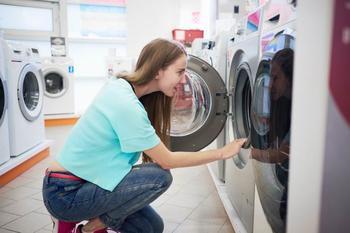 Нужно ли закрывать дверцу стиральной машинки