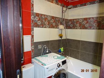 Ванная комната без умывальника, но зато с пеленальным столиком