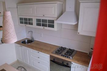 Белая, фактурная кухня