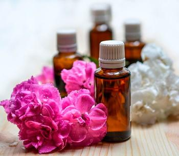 Эфирные масла, которые полезно иметь под рукой