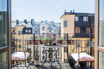 Небольшая квартира коллекционера винтажных вещей в Стокгольме (50 кв. м)