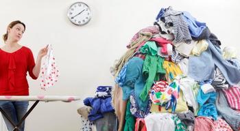 Как разгладить одежду без утюга