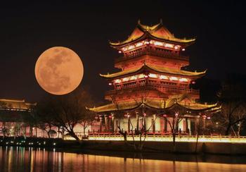 Китайцы планируют скопировать Луну, чтобы освещать ночные города