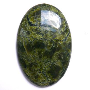 Змеевик камень: свойства, кому подходит