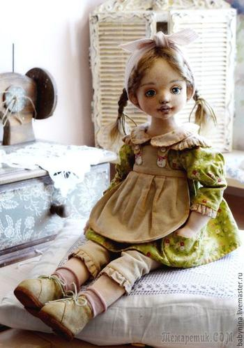 Шьем аккуратный фартучек для куклы