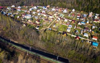 Из-за ужесточения норм регистрации недвижимости россияне массово продают дачи