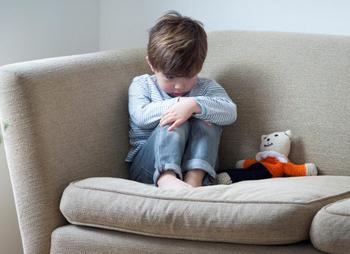 Как в разных странах мира защищают детей от неадекватных родителей?