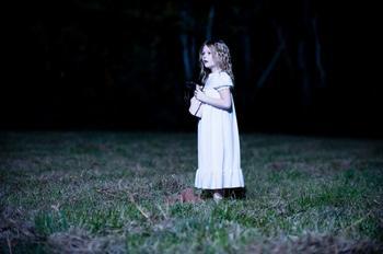 Призраки любят фотографироваться с людьми