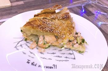 Рыбный пирог из слоеного теста с форелью