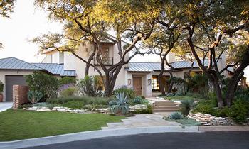 Стопроцентный уют: прекрасный дом с большими окнами в США