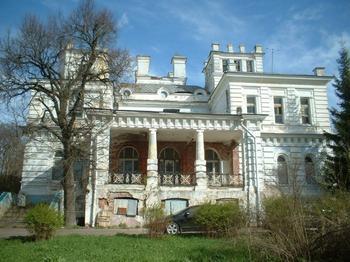 Дом с привидением: 5 загадочных усадеб России, где обещают встречу с неизведанным