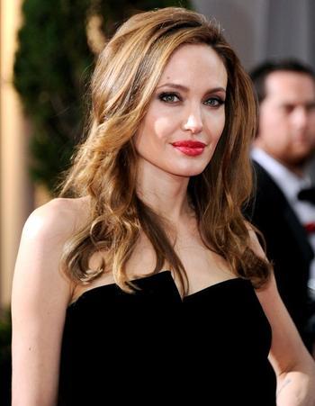 Как выглядит Анджелина Джоли без фотошопа