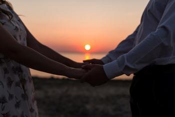 Любовь нечаянно нагрянет: почему мы не можем предсказать, в кого влюбимся?