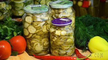 Салат из огурцов на зиму, с луком и острым перцем. Готовить просто!