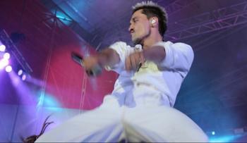 «100 грамм для храбрости»: Билан и другие артисты, которые появлялись на сцене пьяными