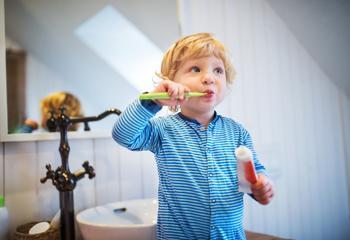 Чистить, или нет - мифы про детские зубы