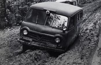 Срыв сроков на год, сырая конструкция и героизм заводчан: как запускали первую «Буханку» УАЗ-450
