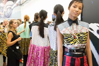 «Я хочу сделать женщин сильными»: как Миучча Прада ломает стереотипы модной индустрии
