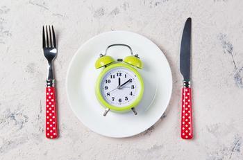 Периодическое голодание: Всё что нужно знать