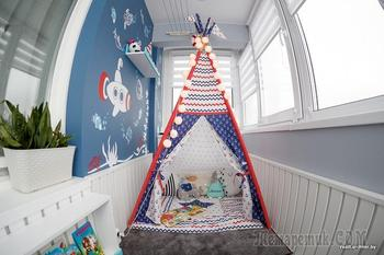 Семья превратила балкон в игровой уголок для ребенка