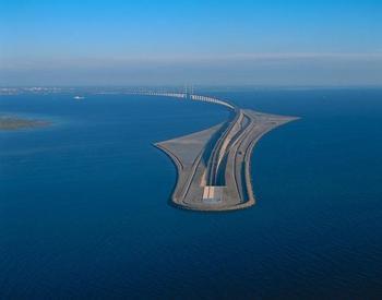 Уникальный Эресуннский мост-тоннель, соединяющий Данию и Швецию