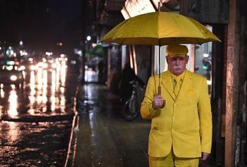 Цвет настроения — желтый: этот пожилой сириец уже 35 лет надевает одежду только одного оттенка