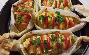 "Куриное филе ""Гармошка "". Куриная грудка с сыром и помидорами"
