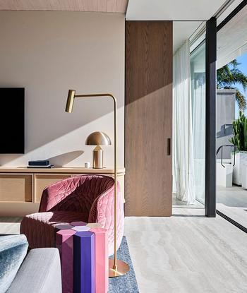 Современный дом для большой семьи с прекрасными панорамами Сиднея