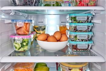 12 советов, как хранить продукты свежими дольше и перестать их выкидывать