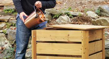 Компостная яма своими руками: варианты изготовления и оформления конструкции