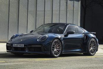 Porsche 911 Turbo 2021: легендарный спорткар в кузове купе