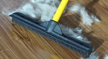 10 советов, как избавиться от шерсти на мягкой мебели