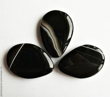 Чёрный агат (камень): магические свойства, знак Зодиака