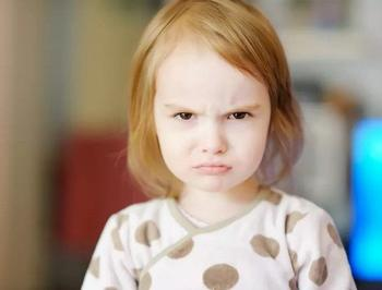 3 эмоции ребенка, которые родители ошибочно принимают за плохой характер