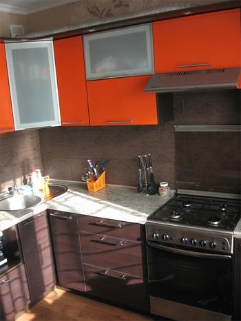 Апельсиновый рай: кухня апельсиново-шоколадного цвета