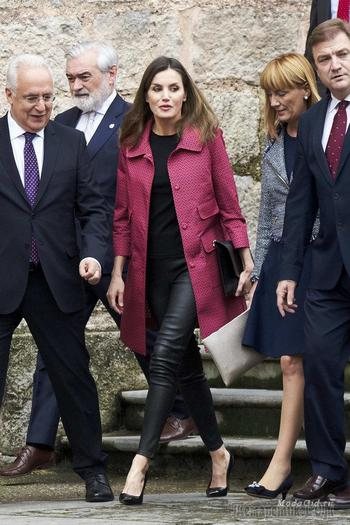 Королевский стиль: новые образы королевы Испании Летисии