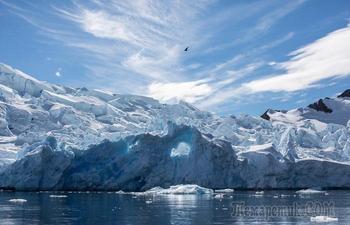 Самое сухое место, незамерзающее озеро, метеориты и другие увлекательные факты об Антарктиде