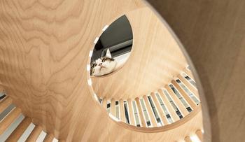 Кошачий домик из мрамора и дерева за полмиллиона рублей