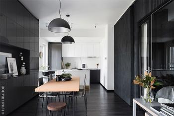 Стильная черно-белая квартира дизайнера в Москве