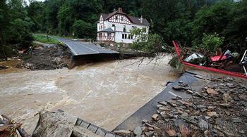 Время наводнений. Почему нельзя смеяться над чужим горем