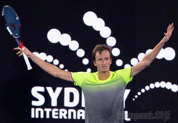 Шестой финал за год: Медведев встал в один ряд с лучшими
