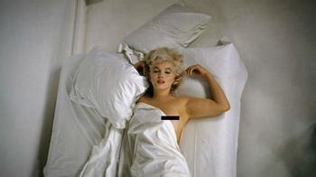 «Что на вас надето, когда вы ложитесь спать?» — «Несколько капель Chanel №5»: 5 лиц знаменитых духов