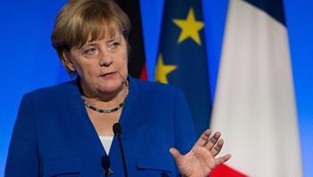 Меркель, выйдя из отпуска, не узнает свою страну