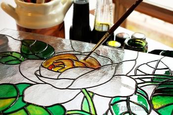 Роспись по стеклу витражными красками: мастер-класс по технике