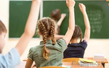 Российских детей захотели учить церковнославянскому языку вместо английского