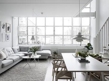 Двухуровневая квартира в белом в Швеции (97 кв. м)