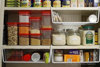 Как навести порядок в кухонных шкафах надолго: 4 простых шага