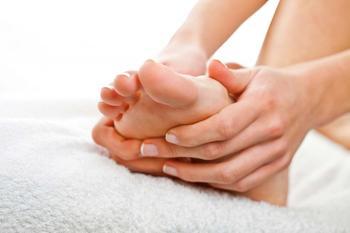 Мерзнут ноги и потеют: причины