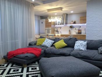 Гостиная: эклектичный интерьер квартиры-студии
