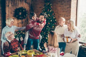 5 причин отпраздновать Новый год в узком семейном кругу